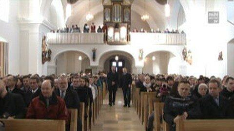 Neuer Altar und Generalsanierung der Pfarrkirche Kollerschlag