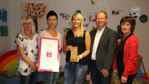 Frau in der Wirtschaft gratuliert zu zwei Staatspreisen im Bezirk Freistadt