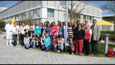 Schülerinnen der HLW Rohrbach gestalten die Geburtenstation des LKH