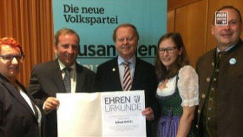 Bürgermeister Hartl von OÖVP geehrt