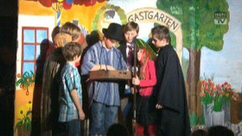 """Kindertheater """"Die kleine Hexe"""" im GH Lettner in Naarn"""