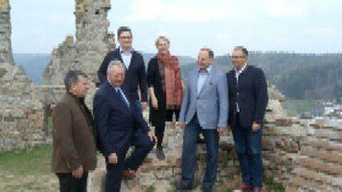 OÖ Landtag unterwegs im Bezirk UU – Burg Waxenberg