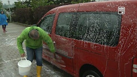 """Car-Wash-Day"" im Bezirksseniorenheim Gramastetten"