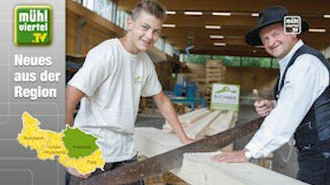 Holzbaumeister Buchner freut sich über 100. Lehrling